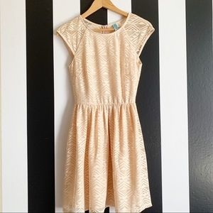 Dresses & Skirts - Cute diamond cut out  dress sz small